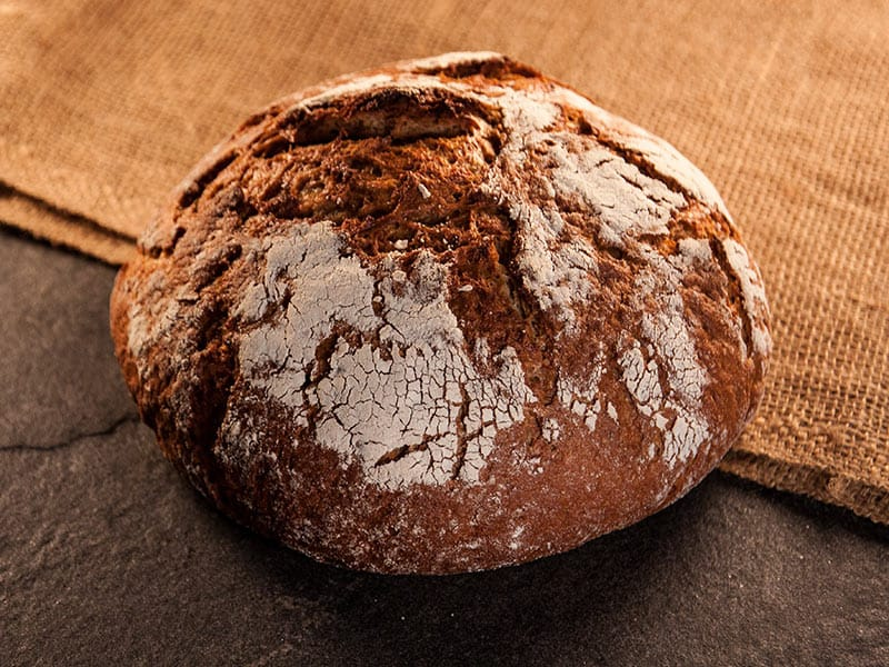 GESTAUBTES LANDBROT |